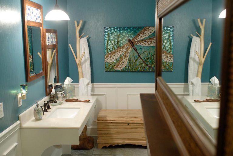 Main Level Suite Full-size Bathroom